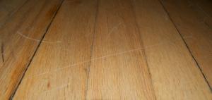 Floor scratch